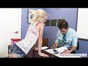 Profesor fute o blonda cu tate mici