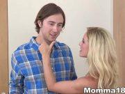 Mama vitrega pune un baiat sa ii futa fiica tarfa